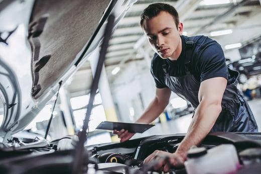 social media for auto repair